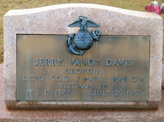 LCp Jerry Davis made the ultimate sacrifice for his country. But few will ever remember him.