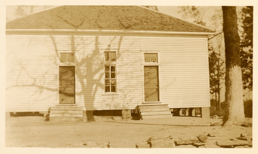Flat Rock Baptist Church in the 1940s. Notice the two different entrances.