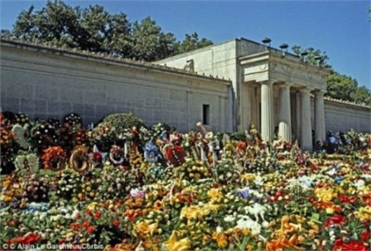For two months after he died, Elvis' body rested inside this crypt at Forest Lawn Cemetery. It has been empty since he and his mother were moved to Graceland. In 2012, the crypt was slated to be auctioned, but Elvis fans caused such an uproar that it never took place.