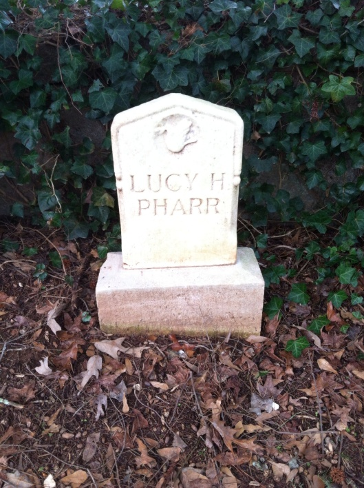 Lucy Pharr's grave has no dates on it.
