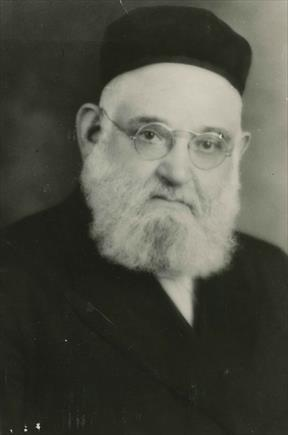 Rabbi Eliyahu Kochin of Pittsburgh wrote to Rabbi Geffen in 1925 in hopes of finding out if Coca-Cola was kosher enough for Passover. He as rabbi to Tiphereth Israel Congregation in Pittsburgh. Photo courtesy of Corinne Azen Krause Photographs, Rauh Jewish Archives at the Heinz History Center.