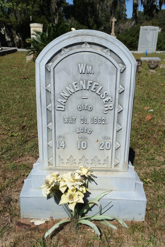 William Dannenfelser Jr. died at the age of 14. His sisters both lived into adulthood.