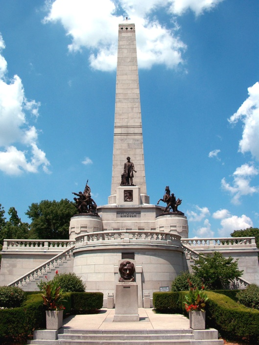 Abraham Lincoln's tomb at Oak Ridge Cemetery in Springfield, Ill. was designed by Larkin Goldsmith Mead. Photo courtesy of David Jones.