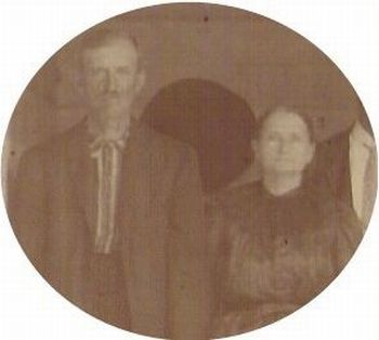 Photo of Thomas Franklin Spruill and his wife, Naomi