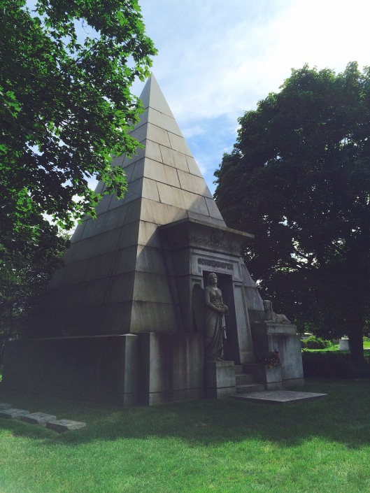 Unlike the Ryerson tomb, the Schoenhofer mausoleum is clearly modeled after the Egyptian Revival style popular during the Victorian age.