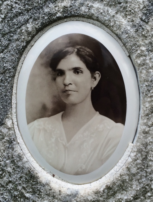 Portraits From The Past A Mount Carmel Catholic Cemetery