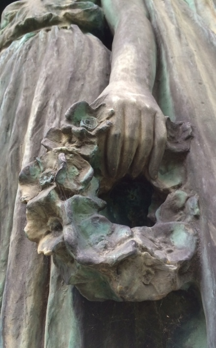 As I've mentioned before, I have a fascination with hands and feet on sculptures. Frank Kimball definitely knew what he was doing.