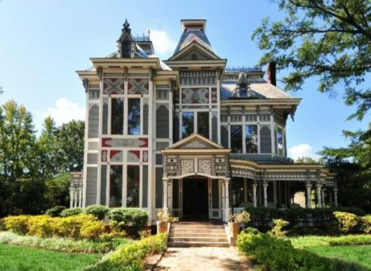 Built in the 1840s as a Greek Revival home, the Parrott Camp Soucy home was built for Confederate surgeon Abraham North. In the 1880s, it was turned into a Victorian-style house. It is believed to have been used as a hospital at some point during the Civil War. Photo source: OldHouseDreams.com